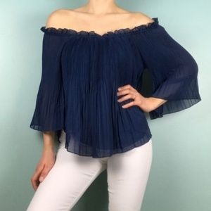 NWT Romeo & Juliet Off the Shoulder Ruffle Blouse